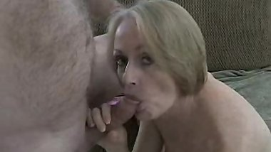 Amateur GMILF Creampie