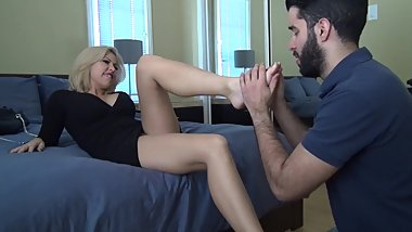 My Step-mom oblige me to put her dirty feet in my mouth , lick her ass hole