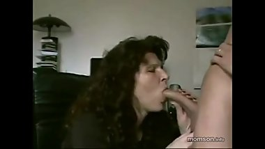 Actual mom sucking and getting facial