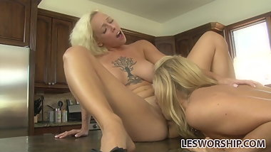 Teen Harlow Harrison shows her stepmom some love