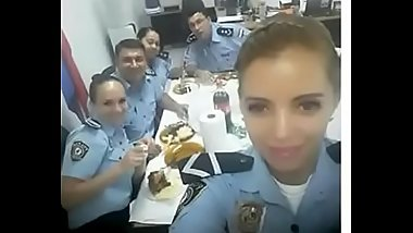 Police fucking with a prisoner, full video on: http://zipansion.com/2LZj0