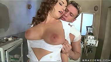 Slutty Step-Sister Makes Sure Bro Won&#039_t Tell....milfagent.com